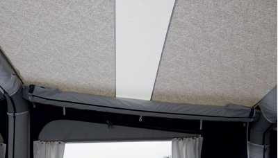 Light panels in the roof of Isabella Air Cirrus North 400