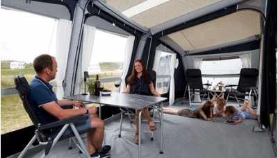 The comfortable and spacious insides of Isabella Air Cirrus North 400