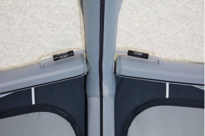 The IsaAir system - air beams connected via valves with on/off switch in the roof of Isabella Air Cirrus North 400