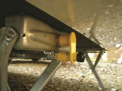 Milenco Adjustable Corner Steady Tube Locks